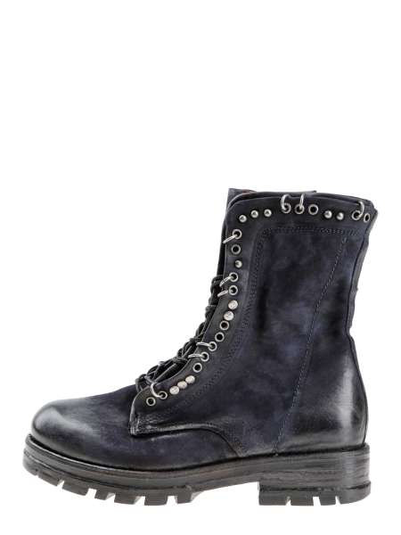 Studded boots blue