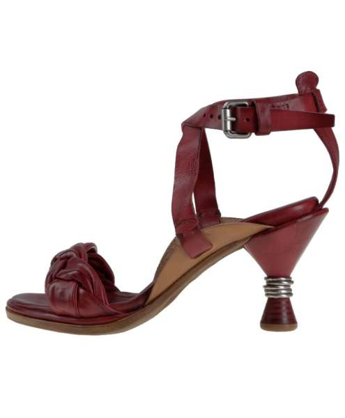 Strappy sandals cardinal