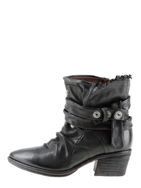 Studded boots nero