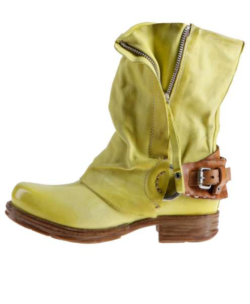 Cuffed boots bestseller cedro