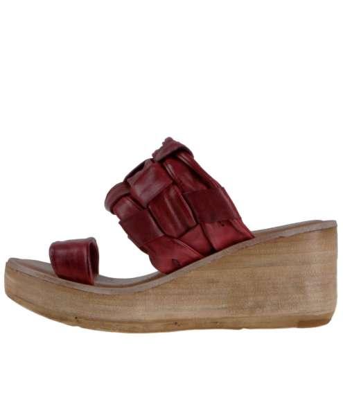 Wedge sandals cardinal