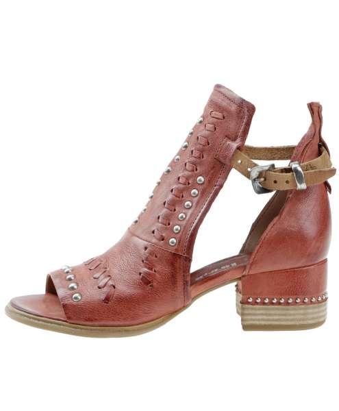 Studded sandals ginger