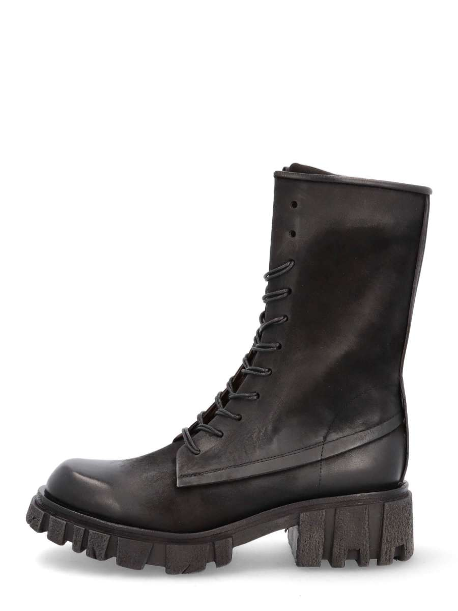 Laced boots nero