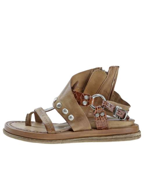 Studded sandals tiger