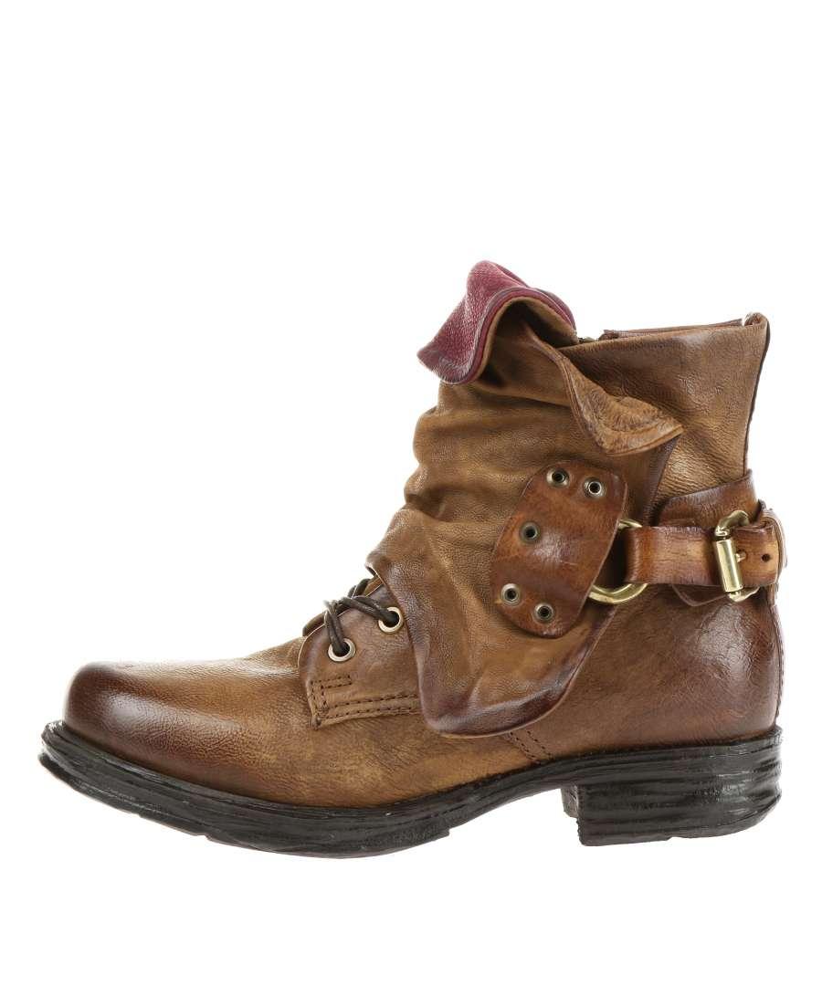 Cuffed boots daino