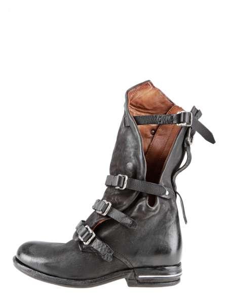 Asymmetrischer Stiefel nero