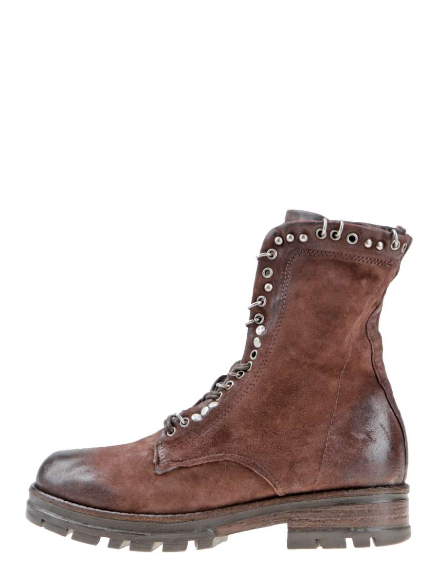 Studded boots fondente