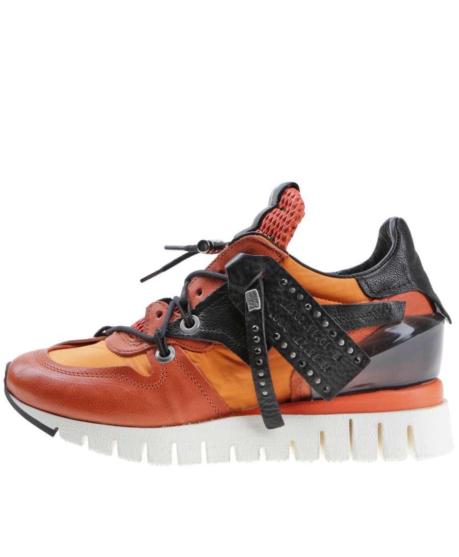 Runner sneaker corallo