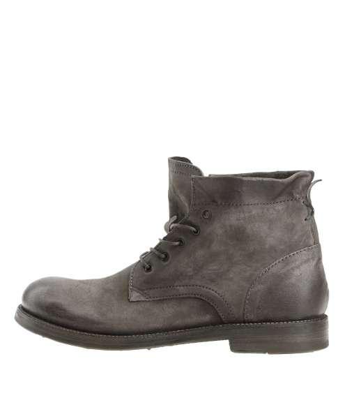 Laced boots smoke