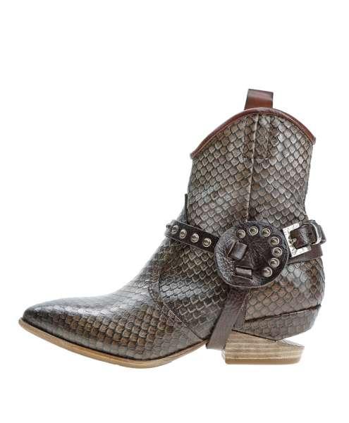Women boots 160201