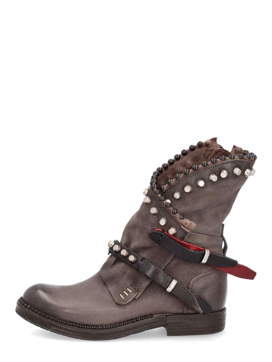 Studded boots smoke