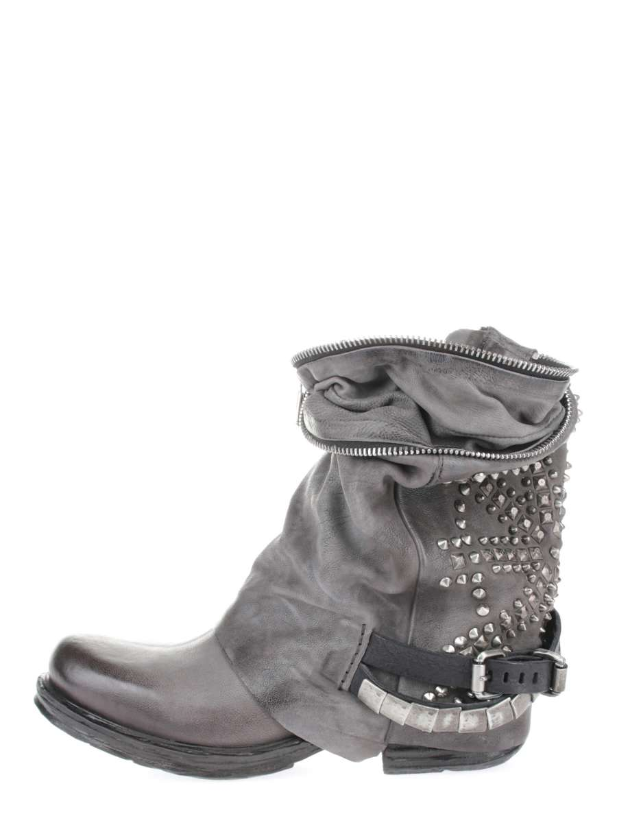 Studded boots bestseller nebbia