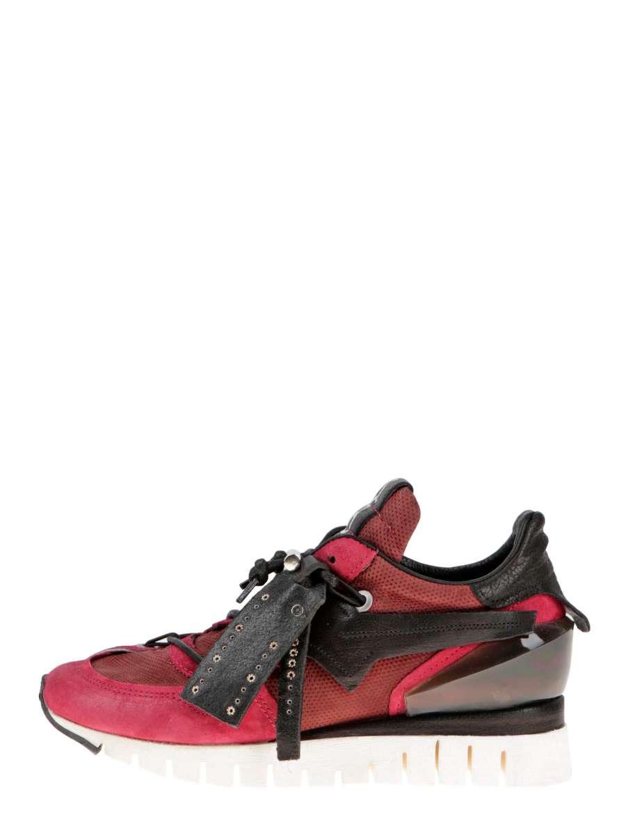 Runner sneakers cardinal