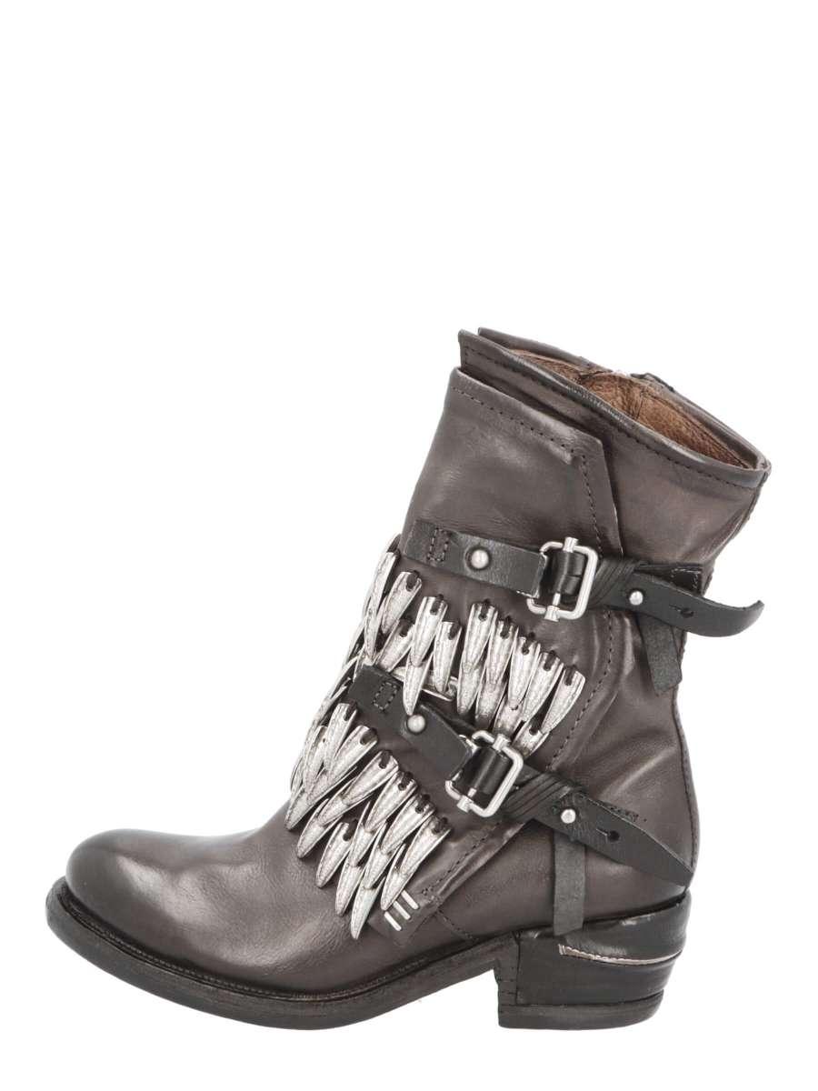 Buckle boots smoke