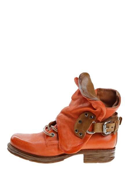 Cuffed boots corallo