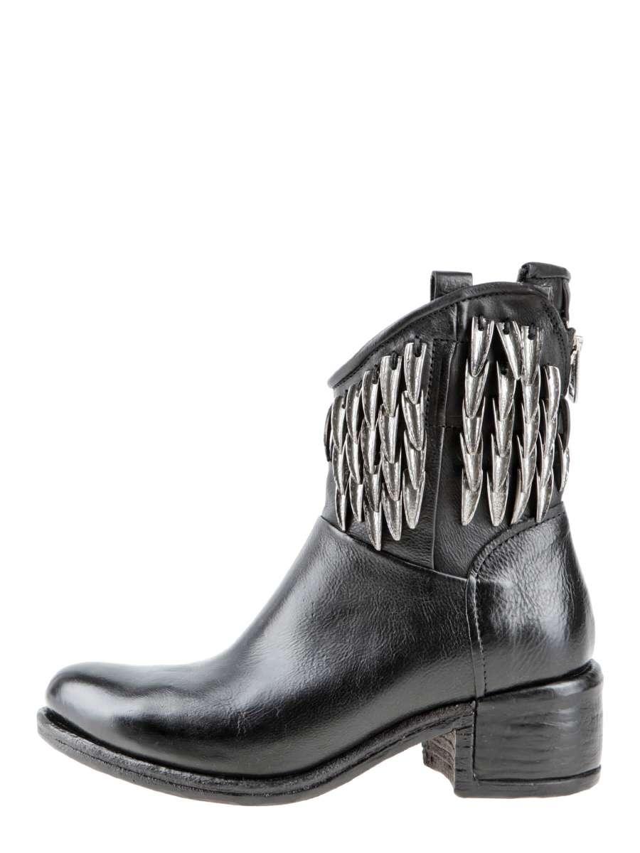 Asymmetric boots nero