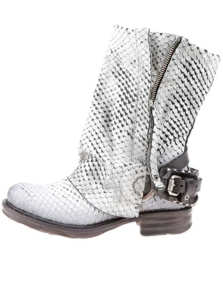 Cuffed boots bestseller osso snake