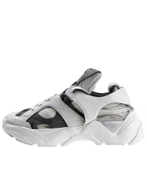 Women sneaker A12101