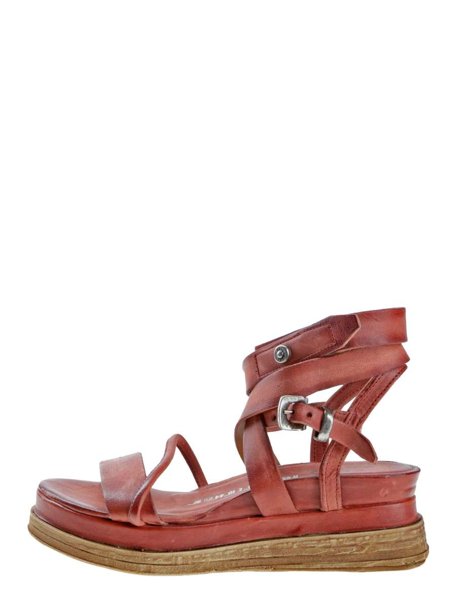 Strappy sandals ginger