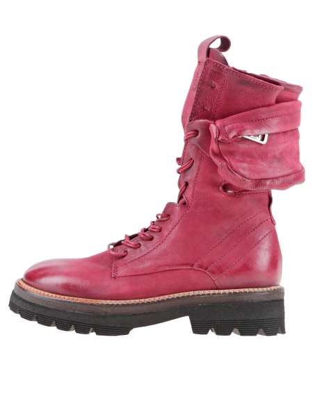 Laced boots cardinal