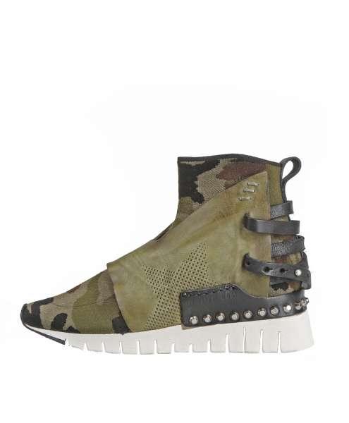 Women sneaker 647208