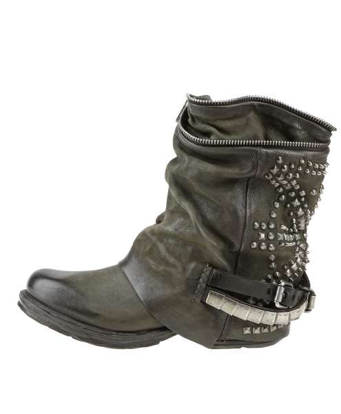 Studded boots bestseller jungle