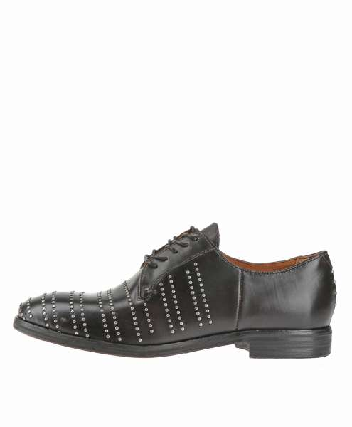 Studded low shoes nero