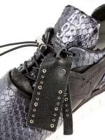 Women sneakers A13104