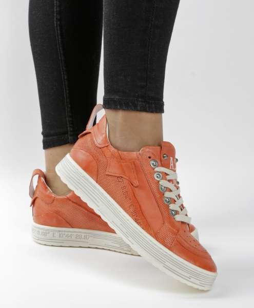 Sneaker corallo